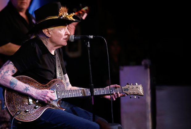 Dean Zelinsky Guitars Announces Johnny Winter Signature Model